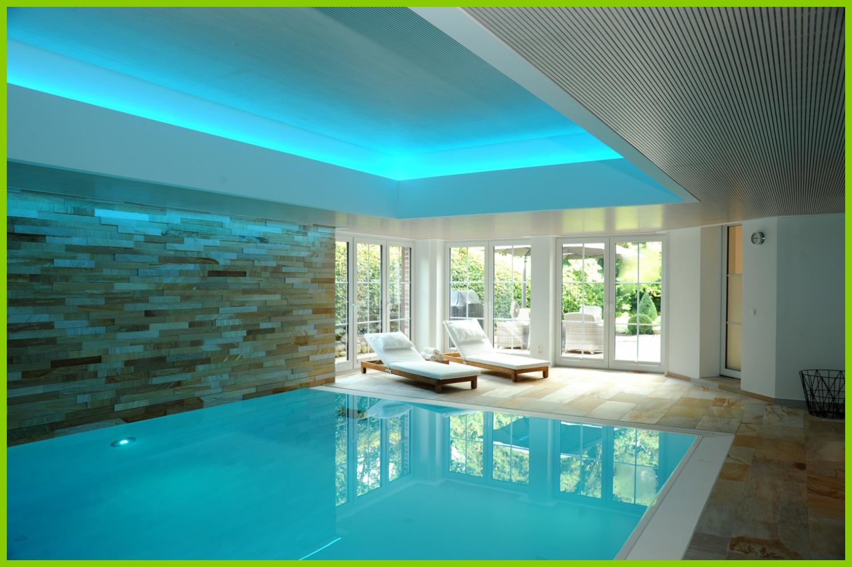 Das attraktive Schwimmbad.