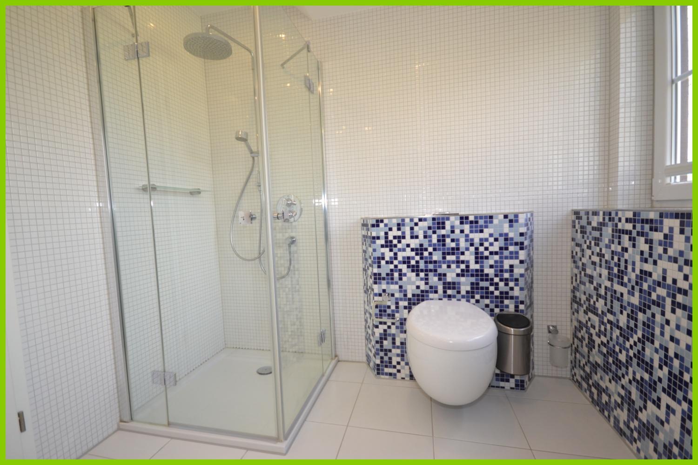 Das zusätzliche Duschbad im Obergeschoss