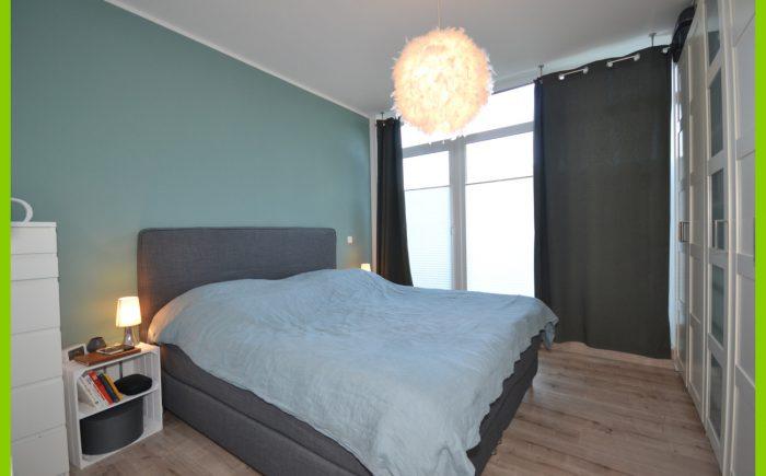 Das helle Schlafzimmer.