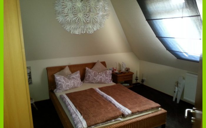 Das helle Schlafzimme.