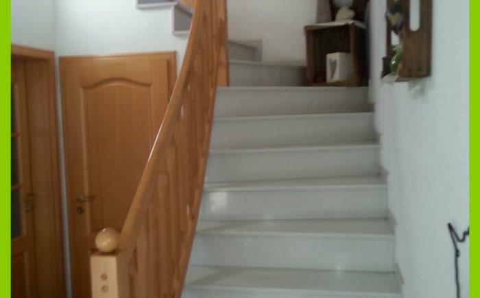 Die Treppe zum ausgebauten Spitzboden.