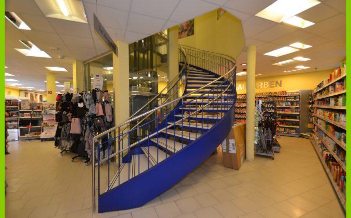 Der Treppenaufgang im Erdgeschoss.