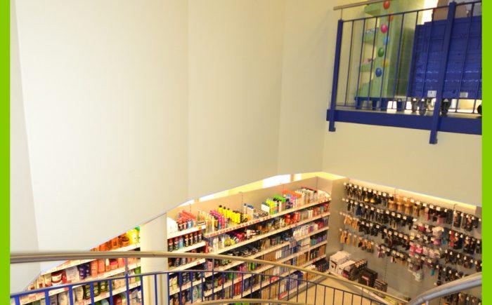 Der Blick zur unteren Ladenfläche.