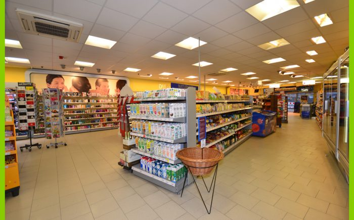 Die Verkaufsfläche im Erdgeschoss.