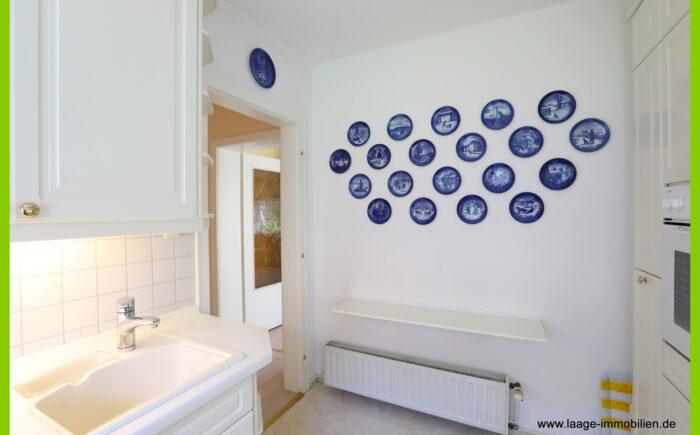 Blick aus Küche zum Flur